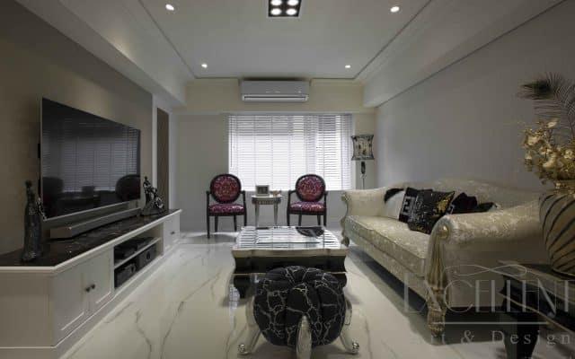 客廳空間透過具美式新古典語彙的家具與陳設,擘劃開敞而優雅的廳區空間。